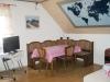 privatpension-brigitte-tirschenreuth-kueche-essbereich
